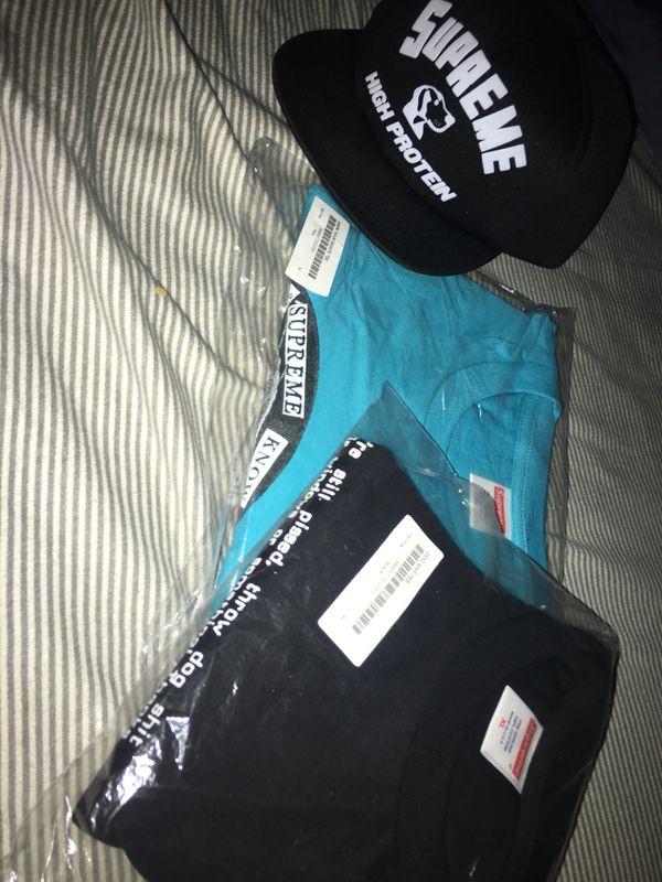 4429f6e098b Supreme XL bundle + SnapBack for Sale in Lake Stevens