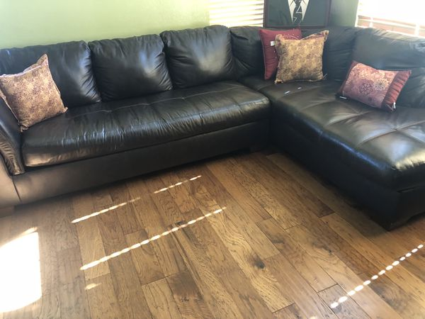 Awe Inspiring Leather Sectional Couch For Sale In Riverside Ca Offerup Unemploymentrelief Wooden Chair Designs For Living Room Unemploymentrelieforg