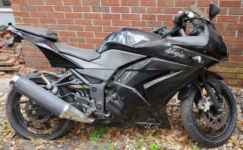 Photo 2011 kawasaki Ninja 250R