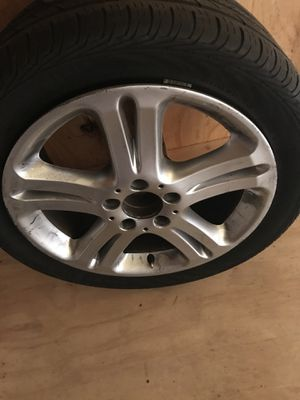17inch Mercedes-Benz Wheel for Sale in Silver Spring, MD