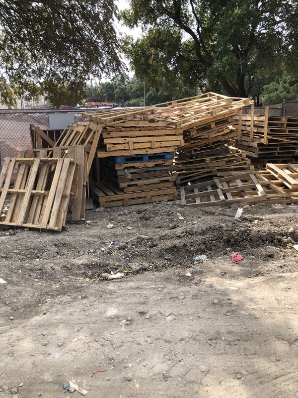 Free pallets-wood. for Sale in San Antonio, TX - OfferUp