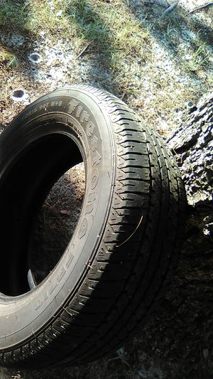235/60/16 tire for Sale in Crewe, VA