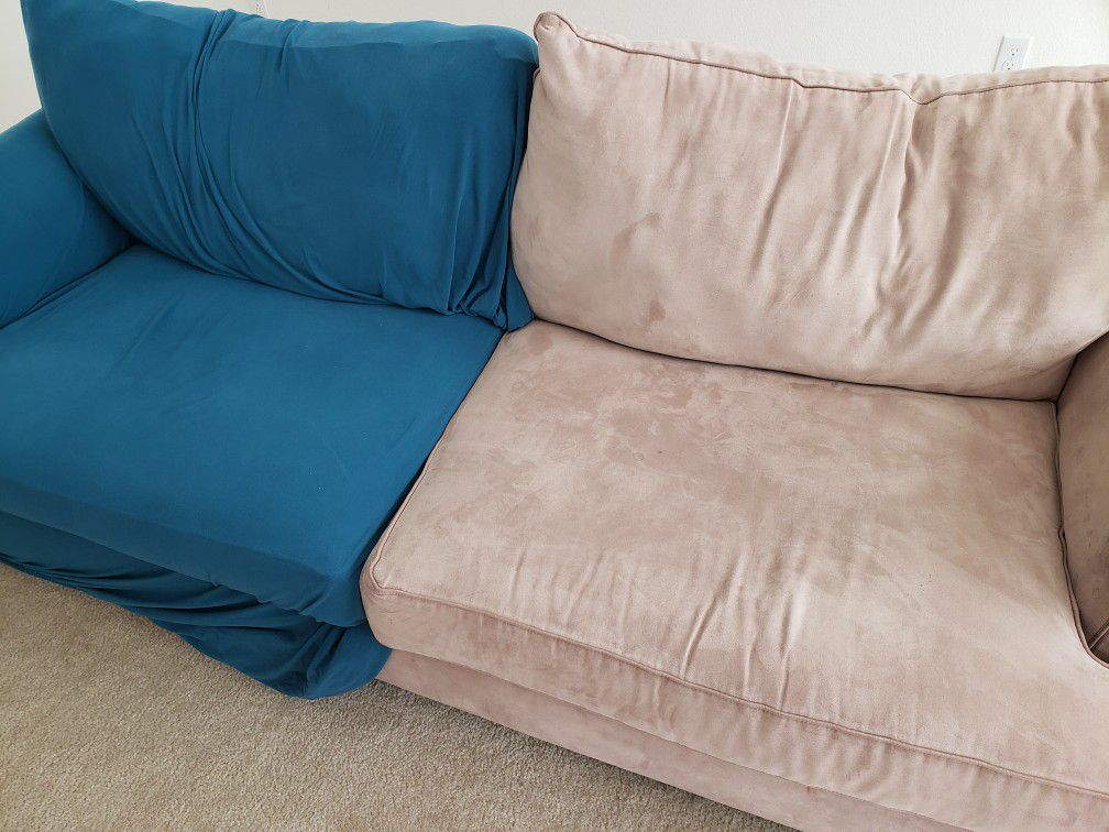 Rooms To Go Sofa With Easygoing Cover