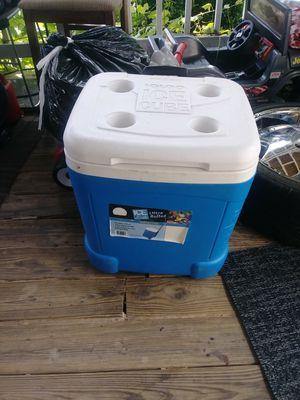 Nice cooler hielera for Sale in Nashville, TN