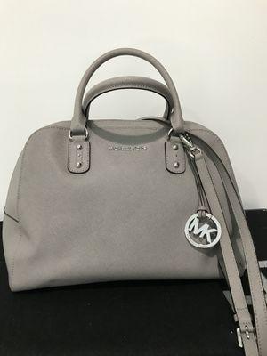 Michael Kors purse bag 💯 authentic for Sale in Herndon, VA