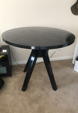 Cute black polished table for Sale in Silver Spring, MD