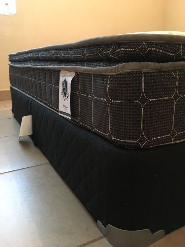 Used 1 Week Queen Mattress Amp Box Spring Furniture In
