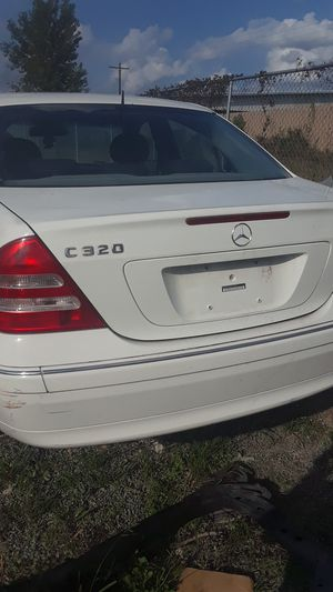 2003 Mercedes Benz C320 for parts for Sale in Houston, TX
