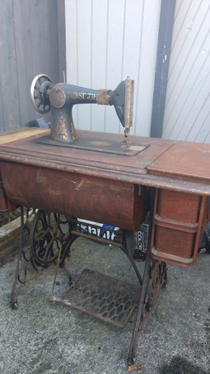 Offer Up Greensboro Nc >> Commercial Singer sewing machine for Sale in Greensboro, NC - OfferUp