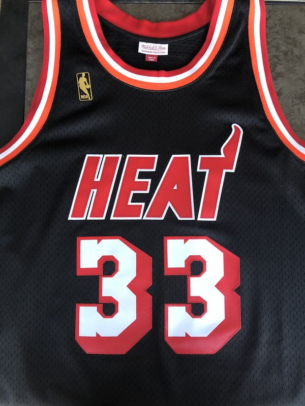ALONZO MOURNING MIAMI HEAT HARDWOOD CLASSIC JERSEY XXL for Sale in ...