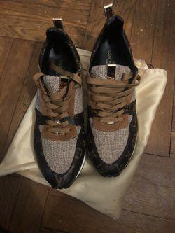 Louis Vuitton Run Away Sneakers Thumbnail