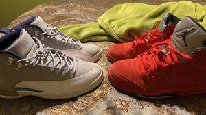 Photo Jordan 5 Retro Red Suede & Jordan 12 Retro Grey University Blue