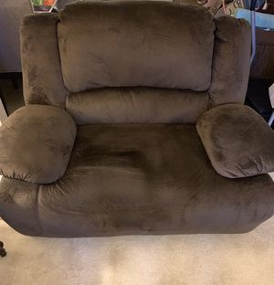 Ashley's Motorized reclining chair for Sale in Fairfax, VA