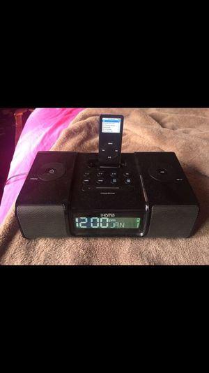 iPod and dock speaker for Sale in Los Angeles, CA