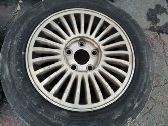 15 inch infiniti or Nissan aluminum wheels with old tires 5 on 114.3mm Thumbnail