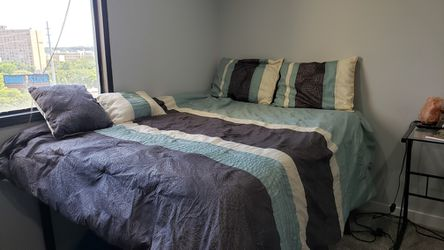 Full/ Queen bed set Thumbnail