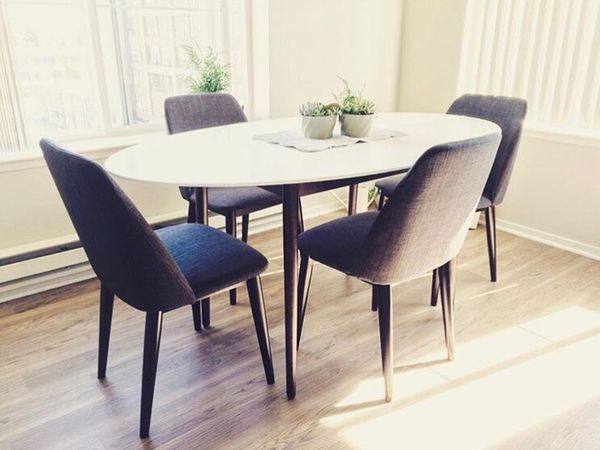 Modern Dining Table And Chairs Brooklyn