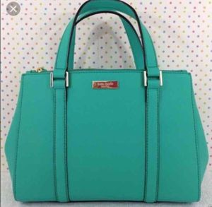 Kate spade small to medium size for Sale in San Diego, CA