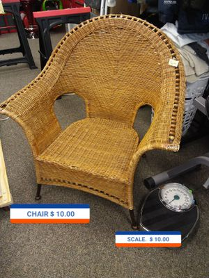 CHAIR. AND. SCALE. 10 EACH for Sale in O'Fallon, MO