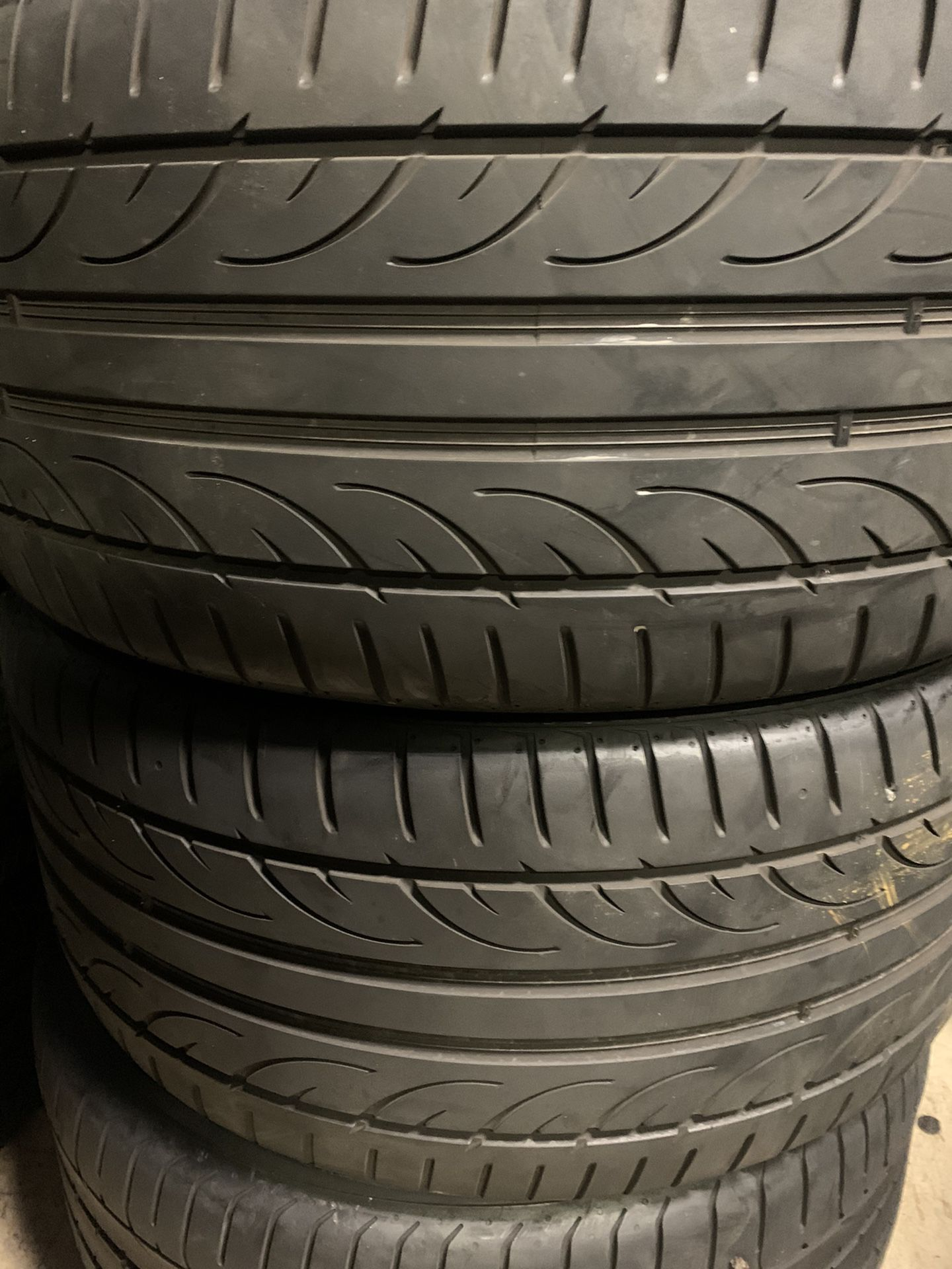 Tires 275-35r20 hankook