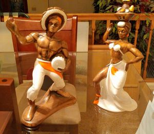 HUGE PRICE DROP! DANCING COUPLE STATUES-MINT CONDITION for Sale in Oviedo, FL
