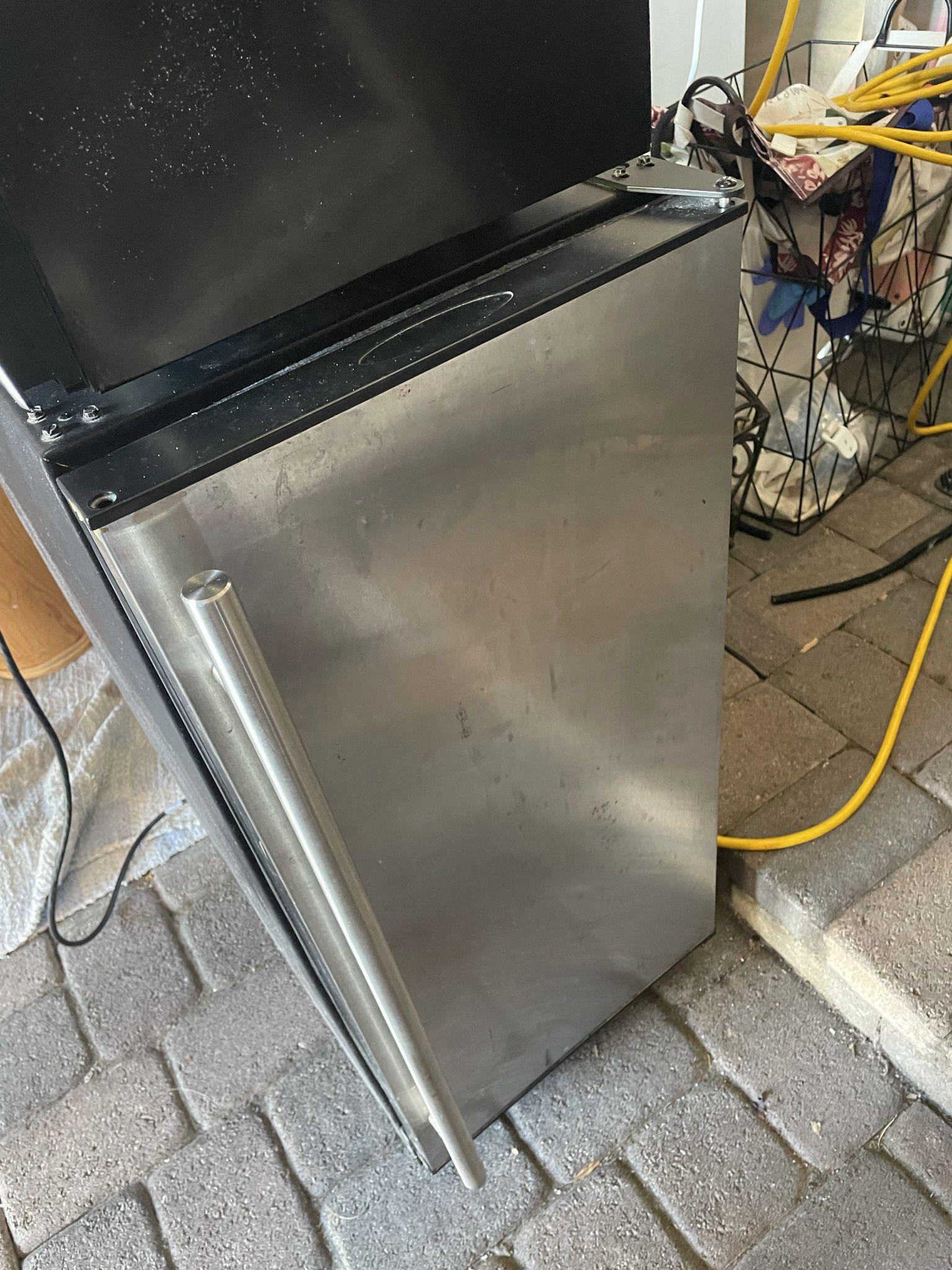 Mini refrigerator dorm room Clairemont Mesa