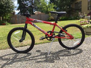 Kids Redline Roam has a race inspired Hi-Ten frame and geometry is ideal for cruising the neighborhood. Some might say, a superb suburb bike for Sale in Federal Way, WA