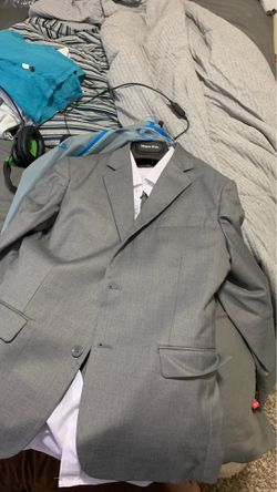 Boys gray and white suit size 12 Thumbnail