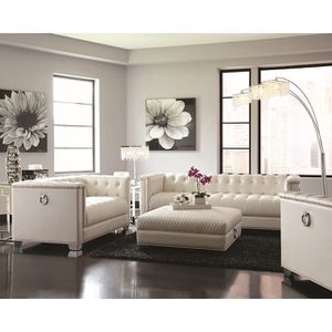White leather couches like new for Sale in Hallandale Beach, FL