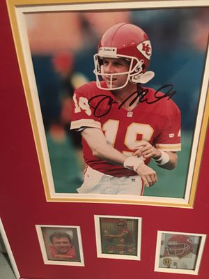 Photo Footballs Joe Montana signed photo