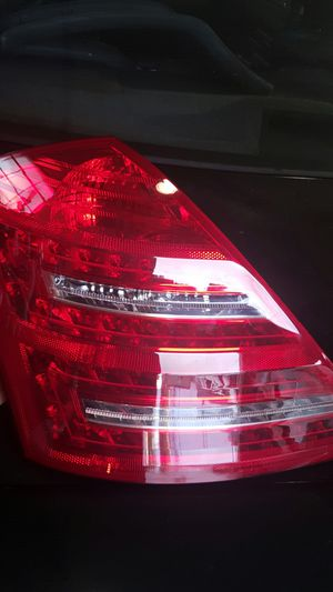 2010 to 2013 S class pass SD tail light for Sale in Nashville, TN