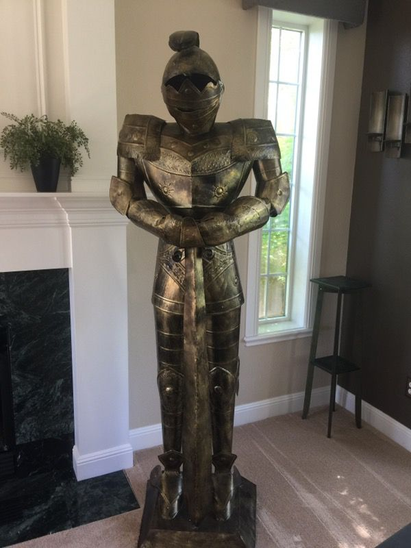 Tall Meval Knight Armor Statue Home Decor Garden In Vancouver Wa Offerup