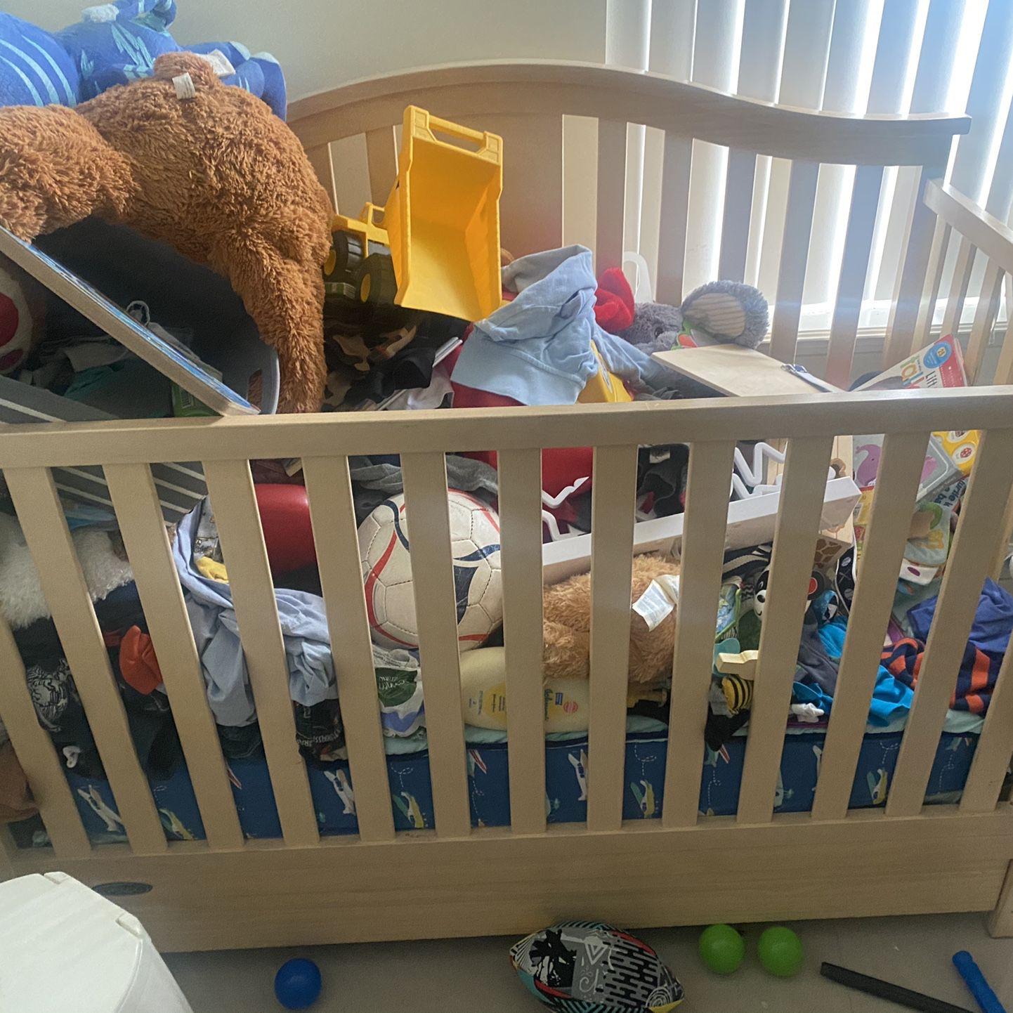 Graco Break Down Crib