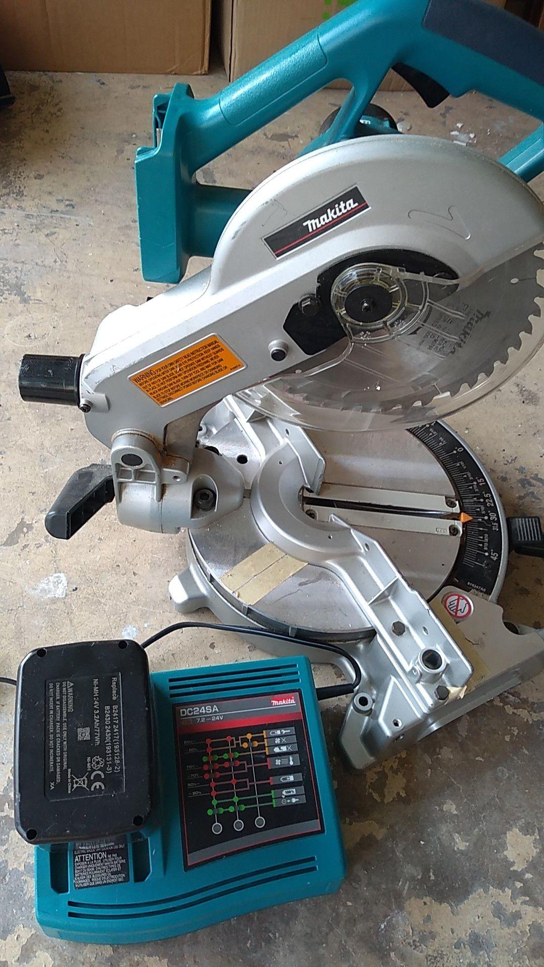 """8 1/2"""" Makita battery operated chopsaw"""