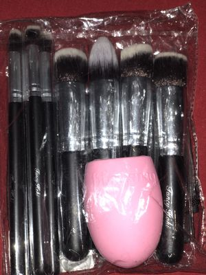New makeup brushes set for Sale in Jackson, TN