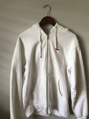 8185337dc5622 New and Used Supreme hoodie for Sale in Fort Pierce