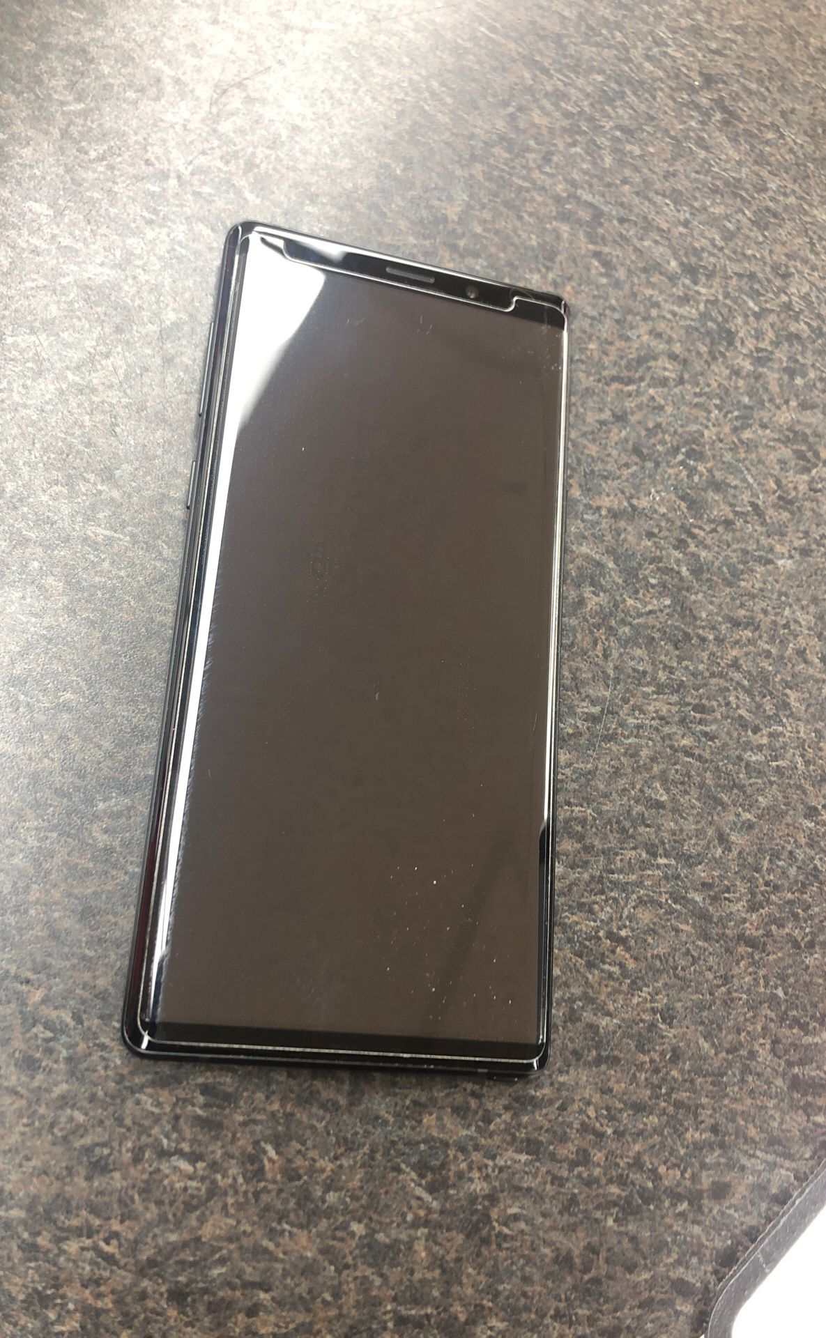 Galaxy note 9 unlocked to any carrier ! 649$