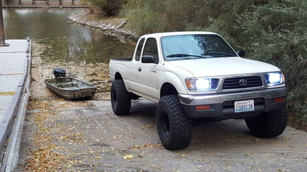1997 toyota tacoma lifted for sale in klamath falls or offerup. Black Bedroom Furniture Sets. Home Design Ideas