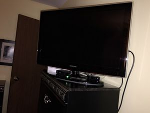 Samsung tv plus apple tv for Sale in Boston, MA