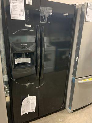 Photo New Discounted Black Frigidaire Refrigerator 1yr Factory Warranty