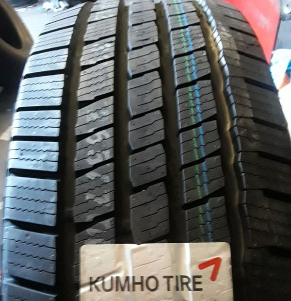 245 60 18 (4) NEW KUMHO TIRES Free Installation NO TAX For