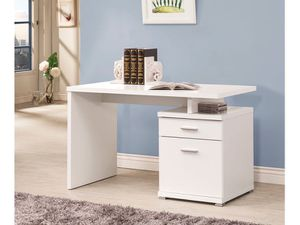 OFICCE WHITE DESK NEW /NUEVO for Sale in Hialeah, FL
