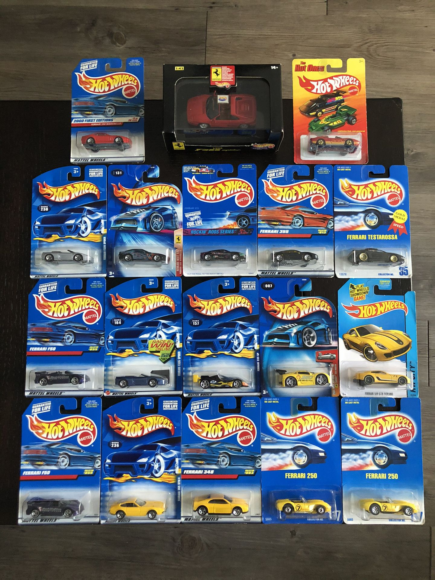 Ferrari Hot wheels Lot Of 18 Cars Hotwheels