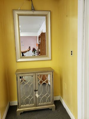 Mirrored chest and mirror for Sale in Palmyra, VA