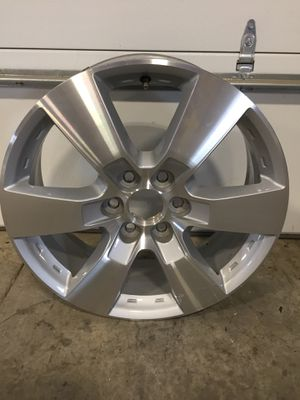 """2015 Chevy Traverse 20"""" wheel for Sale in Dayton, MD"""