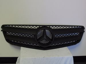 Mercedes Benz C-Class Radiator Grille Genuine Part # A {contact info removed} for Sale in Vernon, CA