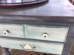 Vintage wood side table/nightstand/ tv console for Sale in Newton Falls, OH