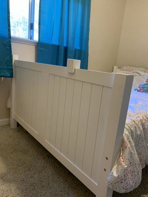 Photo White bunk beds! Twin over Full size
