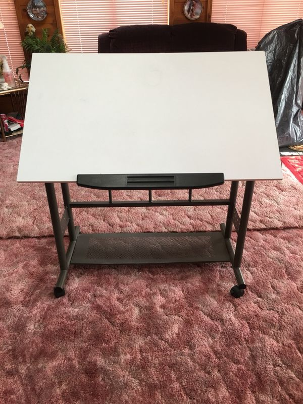 Miraculous Adjustable Art Table For Sale In Cleveland Oh Offerup Home Interior And Landscaping Analalmasignezvosmurscom