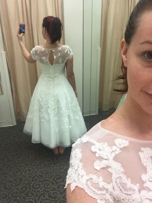 Never Worn Oleg Cassini Bridal Gown for Sale in Orlando, FL